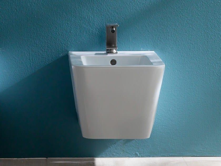 Wall-hung ceramic bidet ICON SQUARE | Wall-hung bidet by Alice Ceramica
