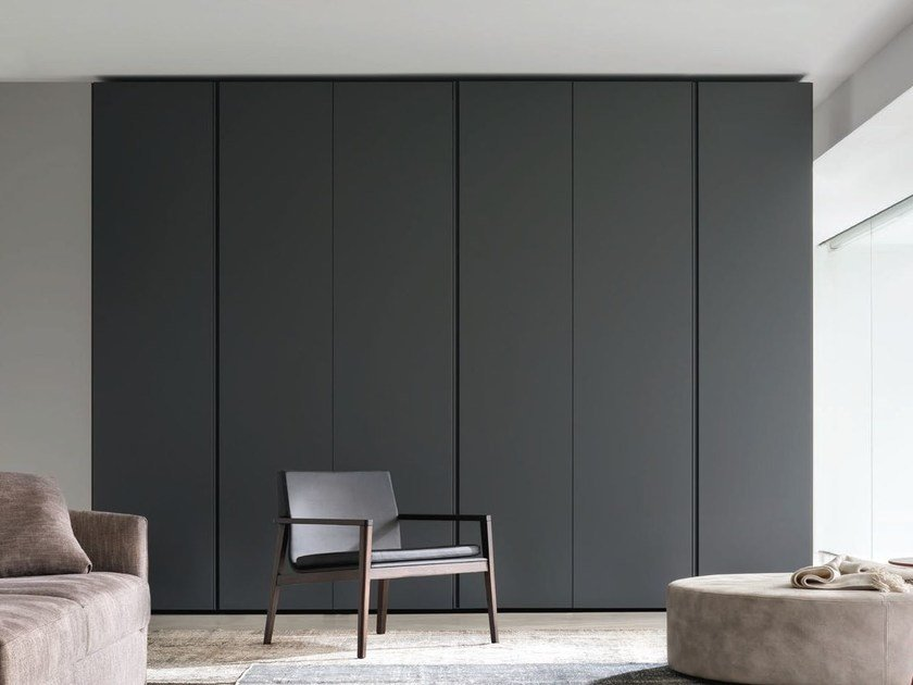 Lacquered wardrobe ICONA | Lacquered wardrobe by JESSE