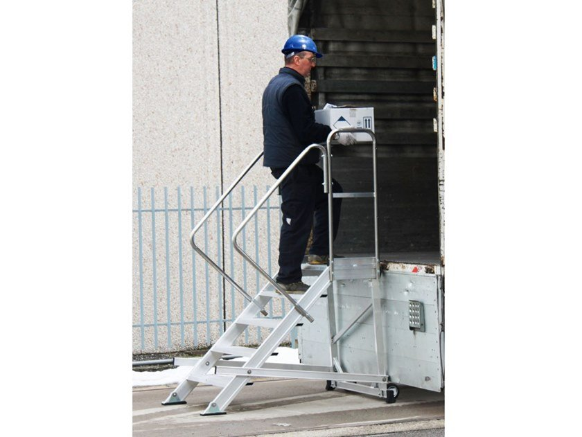 Aluminium heavy duty ladder IKARO by SVELT