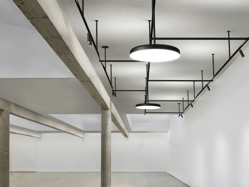 Extruded aluminium Track-Light INFRA-STRUCTURE by FLOS