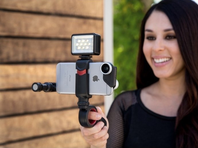 Smartphone and tablet accessory INM300 | PIVOT by Olloclip