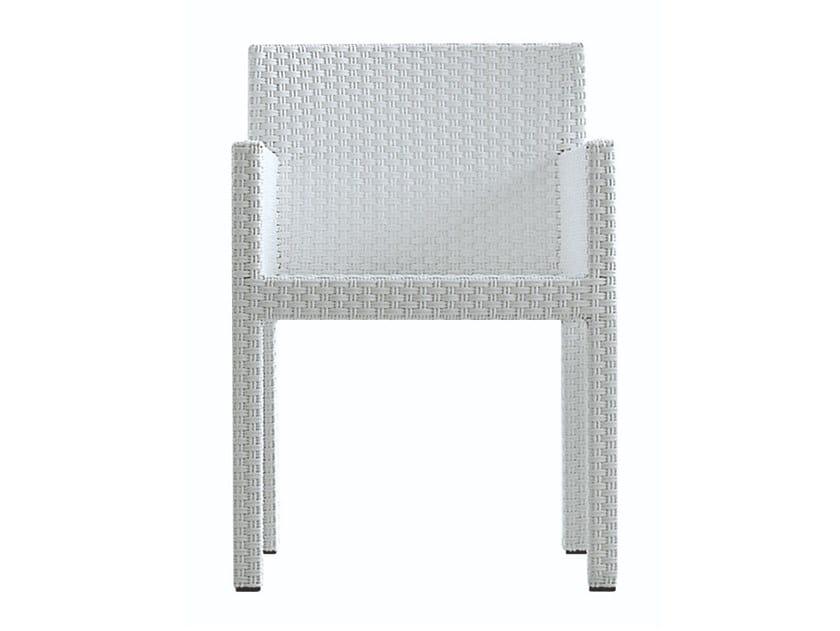 Sedia in polietilene con braccioli INOUT 524 by Gervasoni
