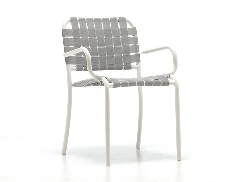 Stackable garden chair with armrests INOUT 824 by Gervasoni