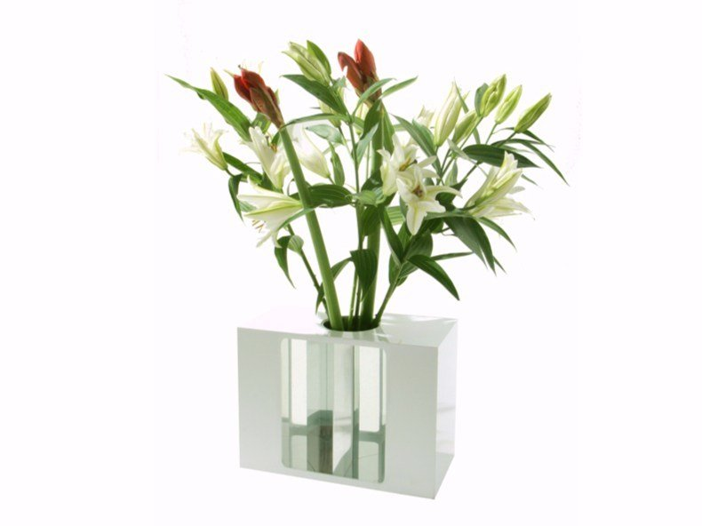 Plexiglass vase INVASIBLE by VIDAME CREATION