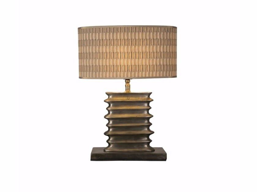 Lampada da tavolo in alluminio pressofuso ISOARD by Hamilton Conte Paris