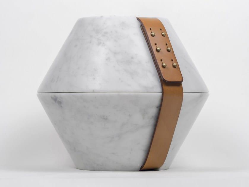 Carrara marble storage box ISTANTI INCLUSI by gumdesign