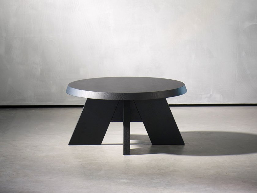 Round coffee table ITSKE | Round coffee table by Piet Boon