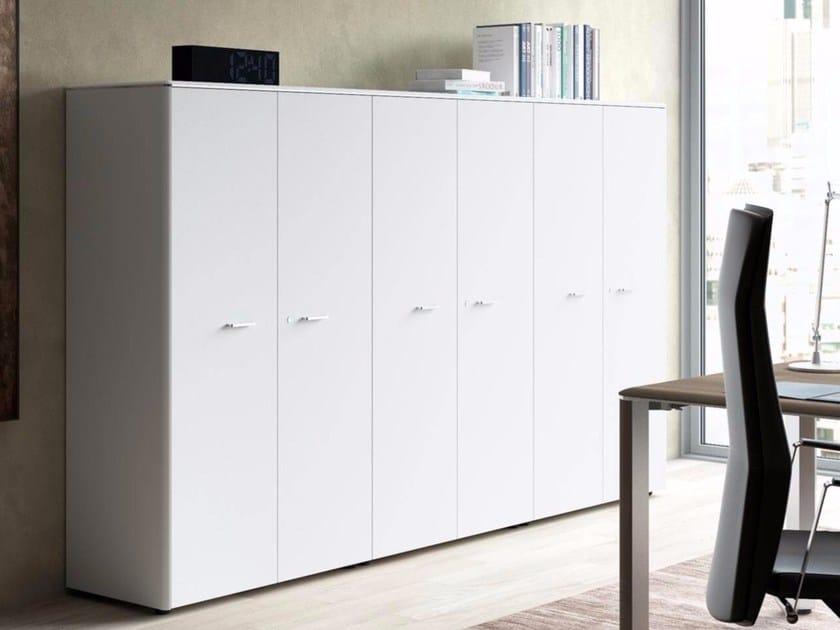 Office storage unit with hinged doors IULIO   Office storage unit with hinged doors by Las Mobili