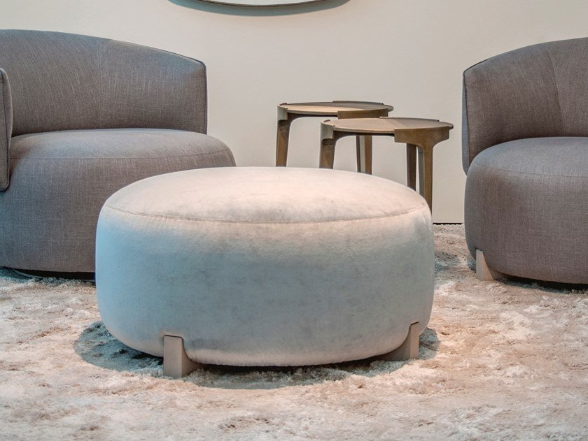Upholstered round fabric pouf JANE | Pouf by Piet Boon