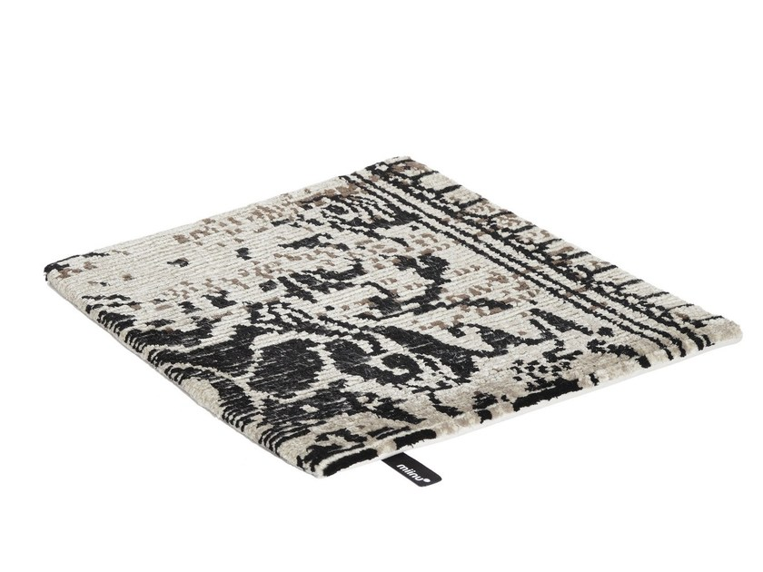 Patterned fabric rug JAYBEE VOL. IV by miinu