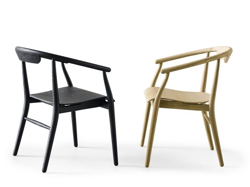 Sedia in legno con braccioli JENS | Sedia in legno by B&B Italia