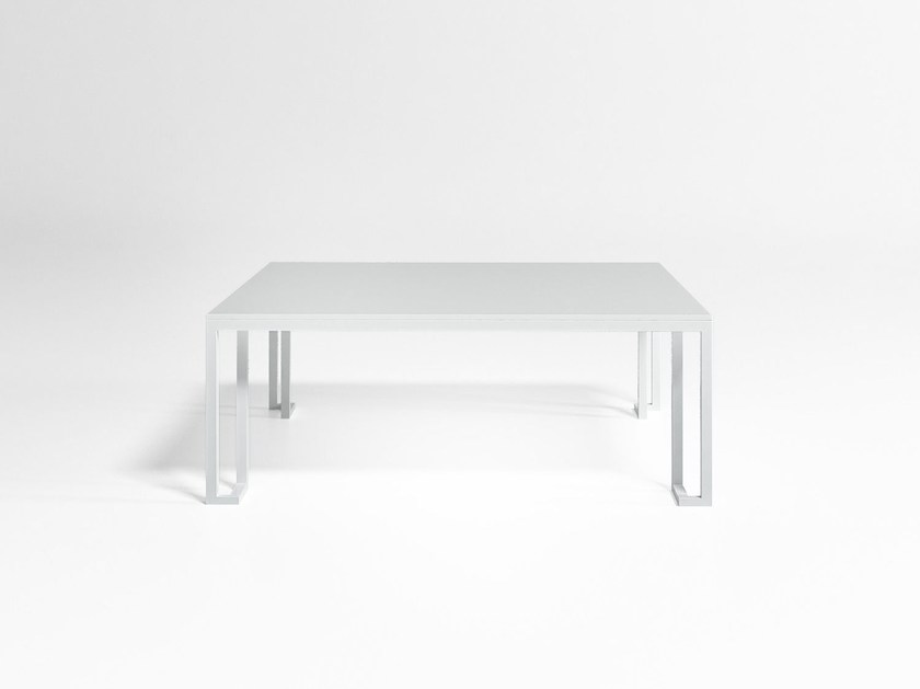 Square aluminium garden side table JIAN | Square coffee table by GANDIA BLASCO