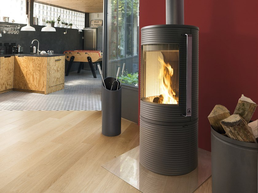 Wood-burning Central Class A cast iron stove JOELLE by CAMINETTI MONTEGRAPPA