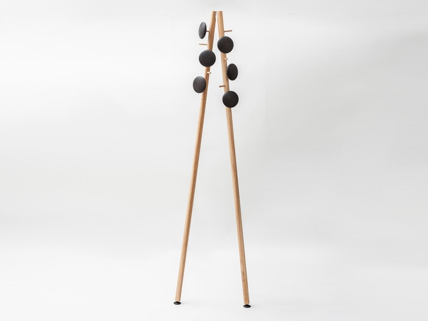 Solid wood coat stand JOHNNY STECCHINO by Adentro