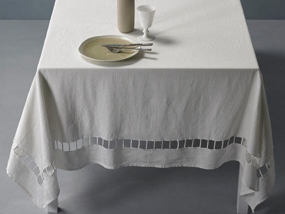 Embroidered linen tablecloth JOUR by Society Limonta