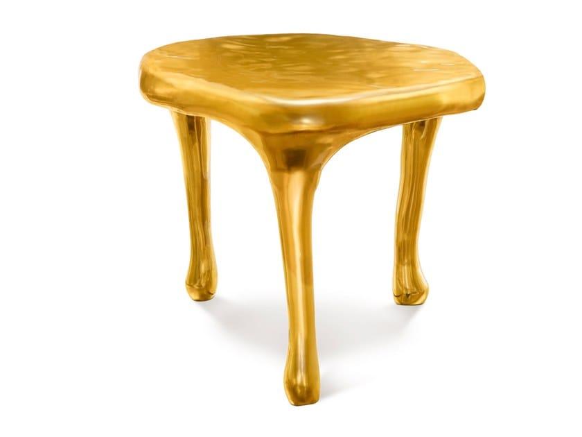 Round brass coffee table JOY by Scarlet Splendour
