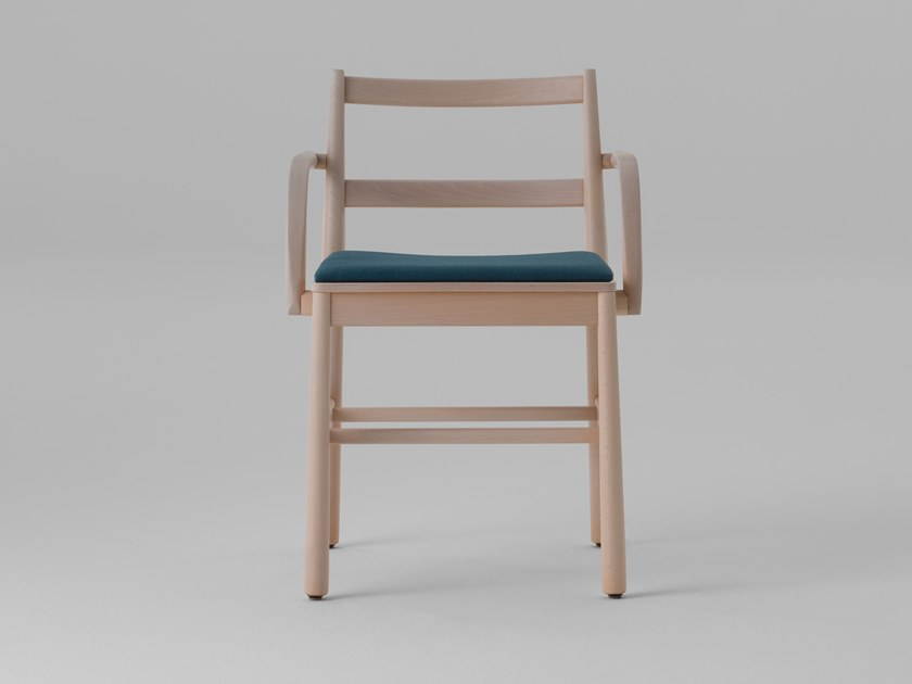 Beech chair with integrated cushion JULIE | Chair with integrated cushion by TrabA'
