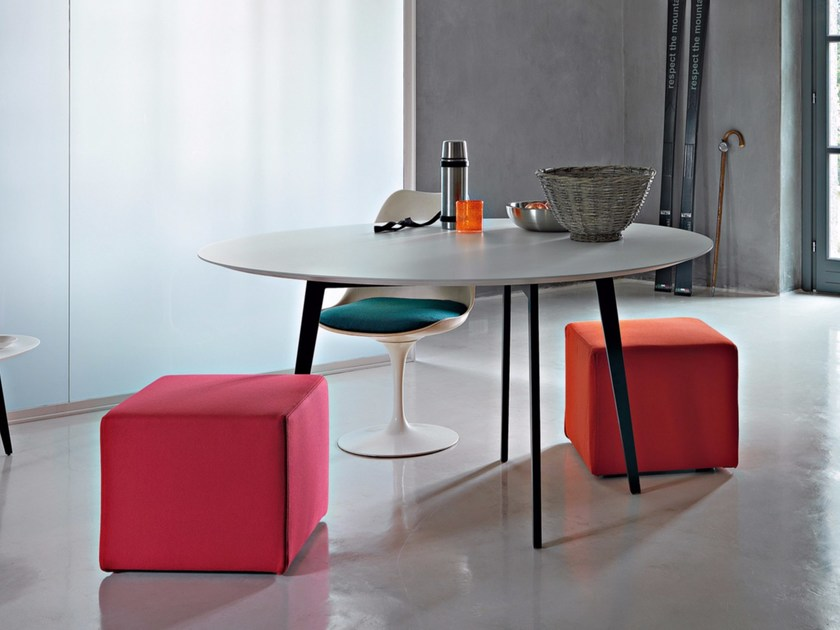 Lacquered oval wooden table JUMP by Lema