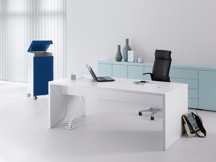 Rectangular office desk K-MODUL MEET by werner works