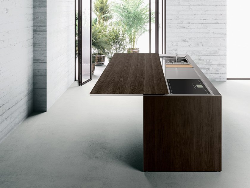 Wooden kitchen with island K6 by Boffi