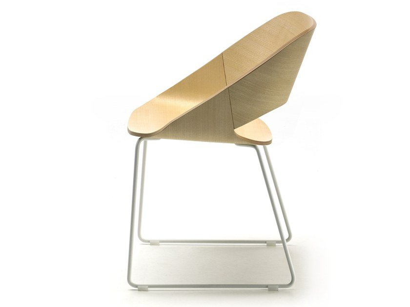 Sled base chair KABIRA WOOD SL by arrmet