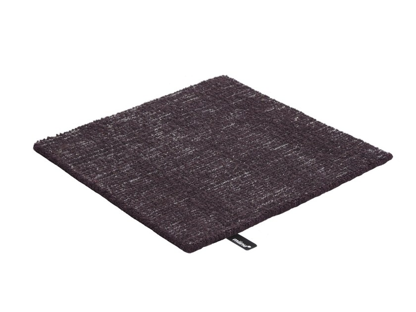 Solid-color wool rug KANE by miinu