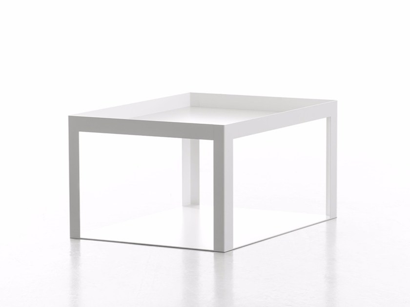 Low modular powder coated steel coffee table KARO by conmoto