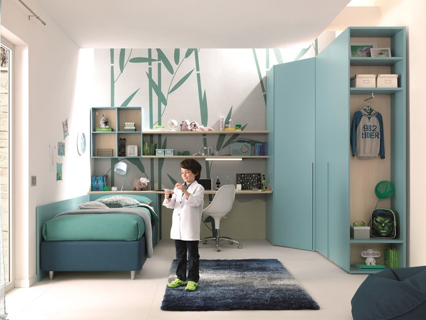 Wooden bedroom with wardrobe KC306 | Bedroom set by Moretti Compact