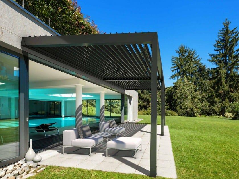 Pergolato addossato in alluminio a lamelle orientabili KEDRY PLUS A by KE Outdoor Design