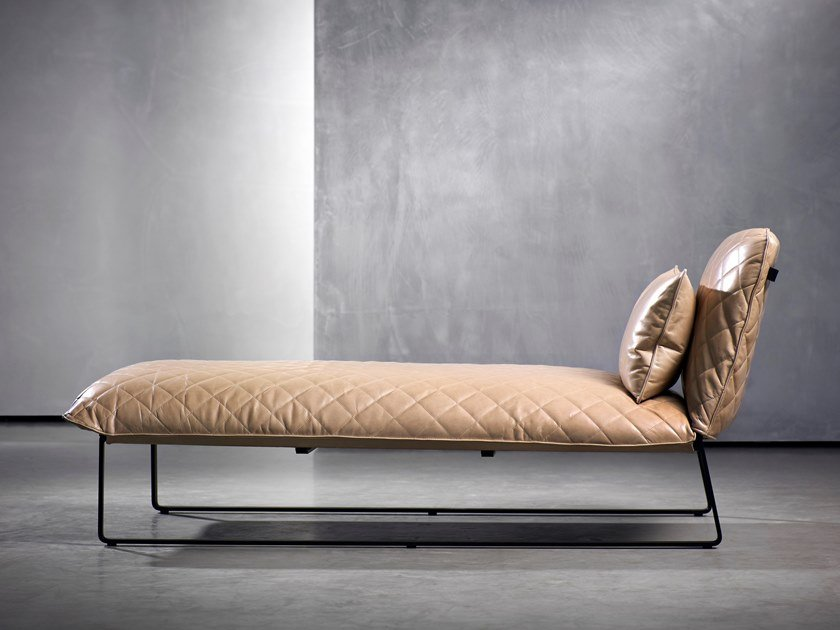 Upholstered day bed KEKKE LIVING | Day bed by Piet Boon