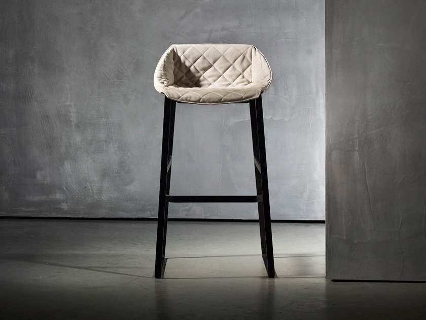 Upholstered stool KEKKE LIVING | Stool with back by Piet Boon