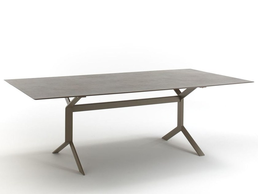 Rectangular steel garden table KEY WEST   Rectangular table by Roberti Rattan