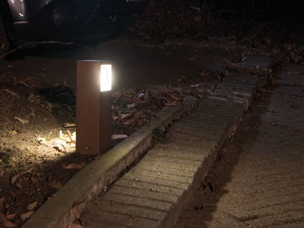 Paletto luminoso a LED in alluminio pressofuso KIT-07 STILE NEXT POST by Lombardo