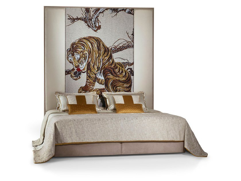 Bed double bed with high headboard KOMO by Sicis