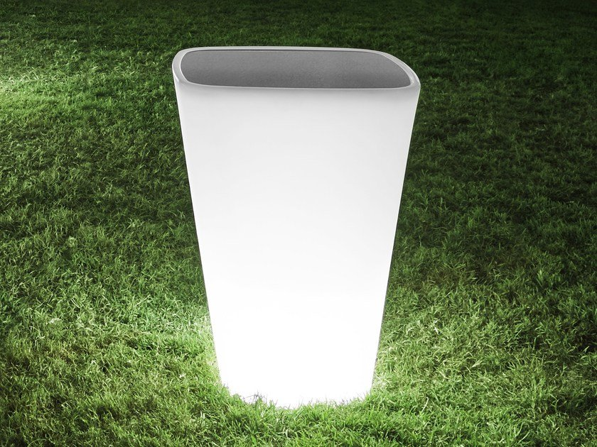 Tavolino alto luminoso quadrato in polietilene KONO | Tavolino luminoso by Derlot Editions