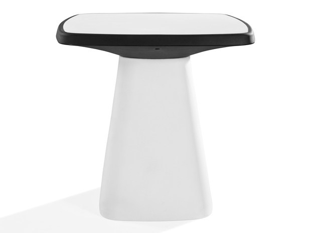 Square polyethylene garden table KONO | Polyethylene table by Derlot Editions