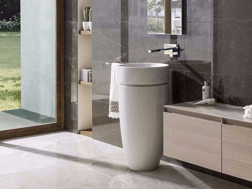 Freestanding round natural stone washbasin KRABI by L'antic Colonial