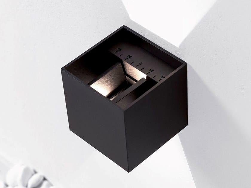 Lampada da parete per esterno a LED a luce diretta e indiretta orientabile KUBBIK by HER