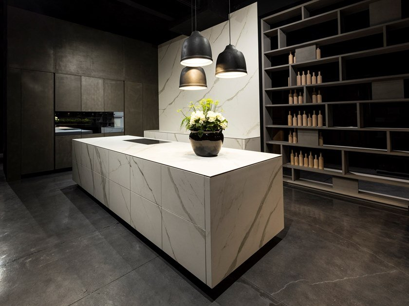 Kitchen with push to open doors with island KUBE by RIFRA