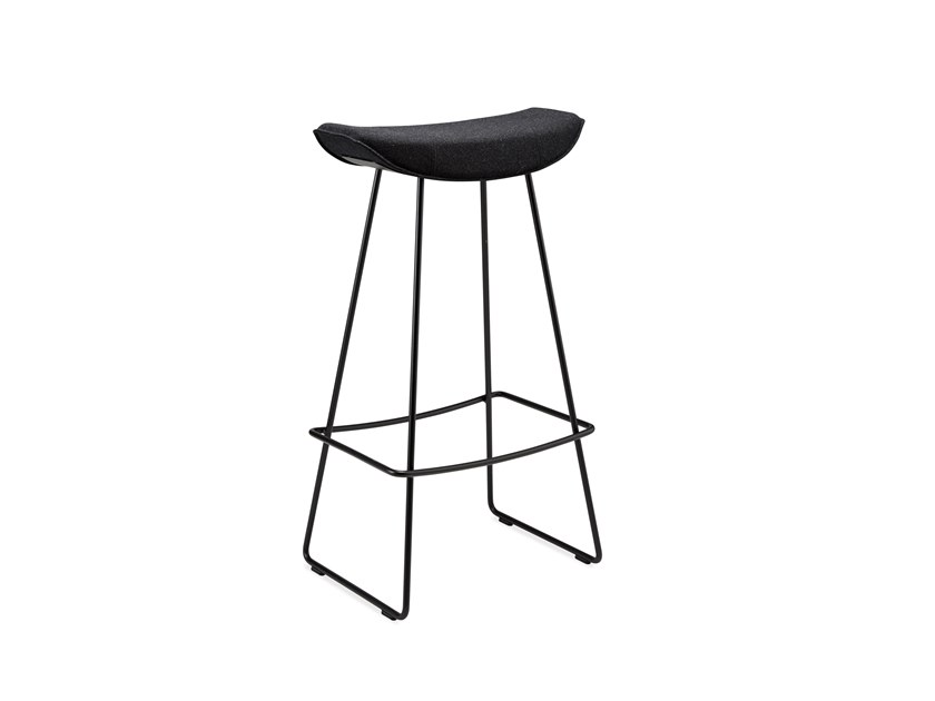 Sled base barstool with footrest KYA BARSTOOL WIRE FRAME | Sled base stool by Freifrau