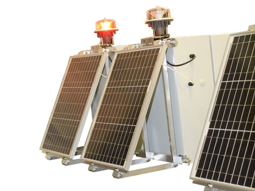 LED Aircraft warning light L810-LXS-SOL by LUXSOLAR by C&E GROUP