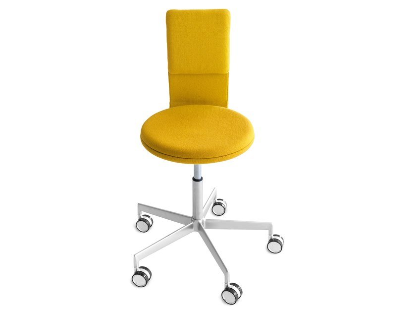 Swivel chair with 5-spoke base with castors LAB | Chair by Lapalma