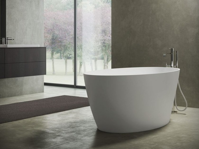 Freestanding oval bathtub LAKE   Bathtub by DISENIA