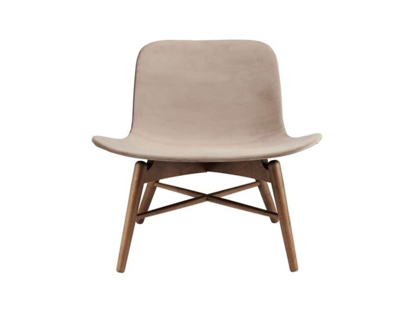 Upholstered velvet easy chair LANGUE ORIGINAL | Velvet easy chair by NORR11