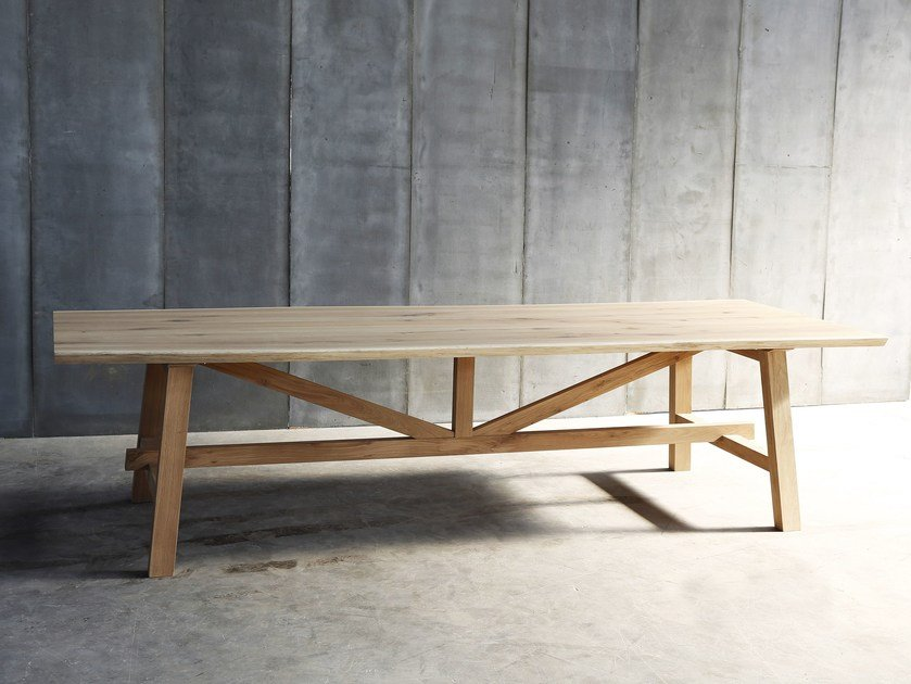 Oak table LARBUS by Heerenhuis