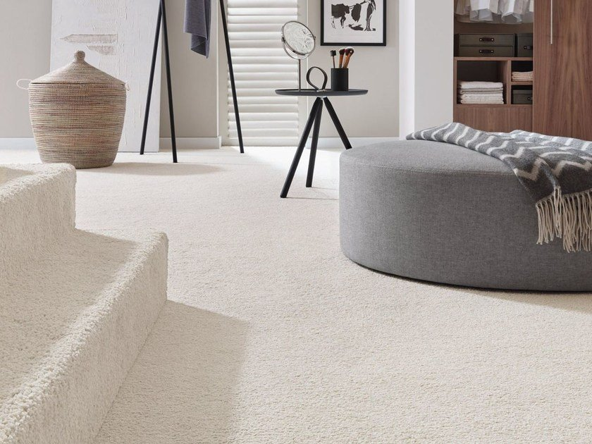 Solid-color carpeting LAREA by Vorwerk Teppichwerke