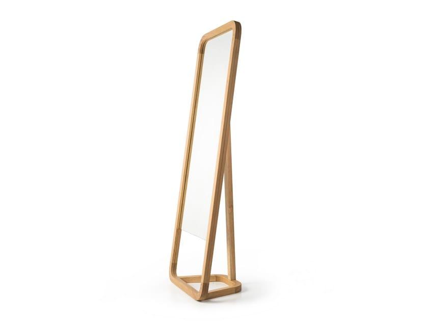 Freestanding rectangular framed mirror LAZY by Porventura