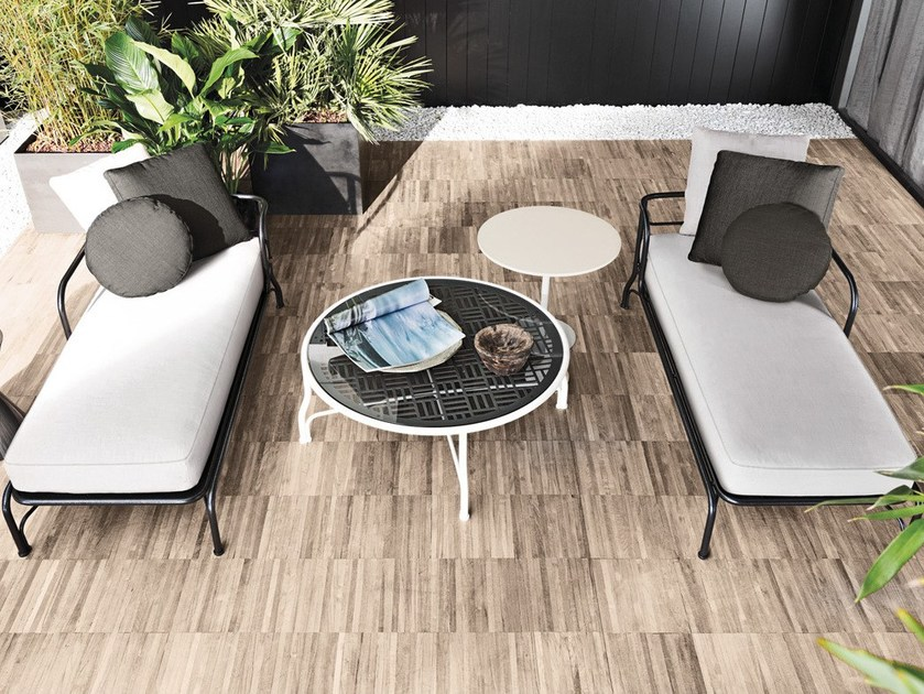 Outdoor coffee tables LE PARC by Minotti