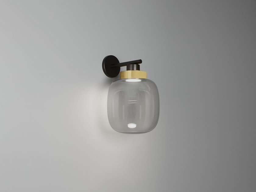 Blown glass wall lamp with fixed arm LEGIER | Wall lamp by Tooy