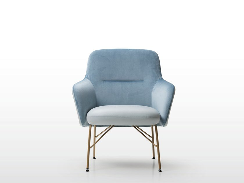 Armchair with armrests LEVEL | Armchair by Quinti Sedute